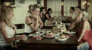 Κρήτη: Τρέλανε τις φιλενάδες ο Στάθης Στιβακτάκης – Το βίντεο που κάνει το γύρο του διαδικτύου [vid]