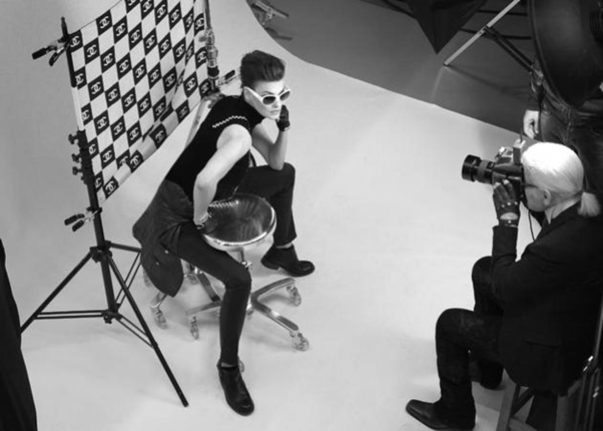 H Linda Evangelista το νέο πρόσωπο της Chanel Eyewear! | Newsit.gr