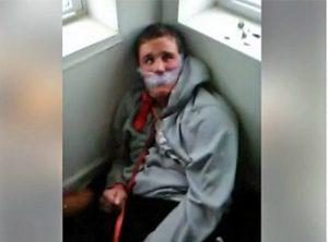 Σκληρές εικόνες: Έδεσαν και βασάνισαν 18χρονο με νοητική στέρηση