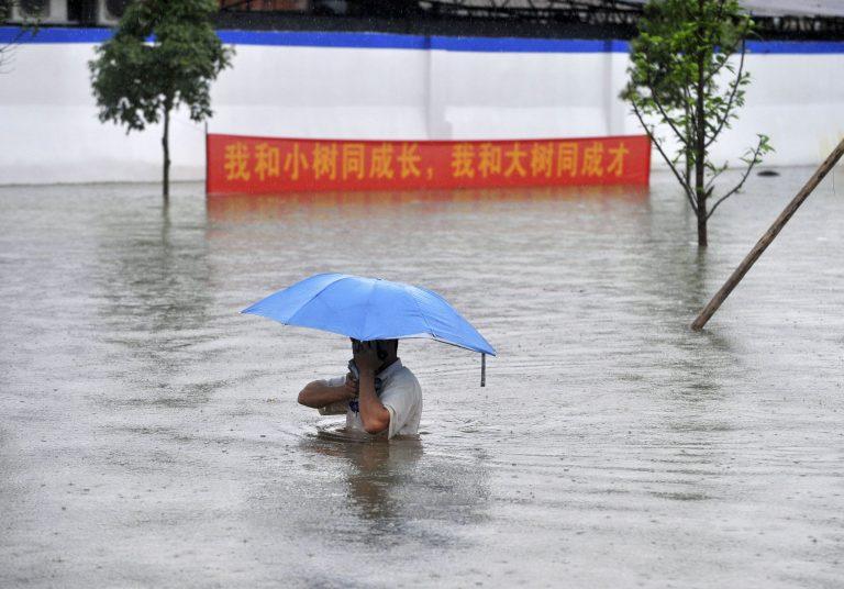30 νεκροί από πλημμύρες στην Κίνα   Newsit.gr