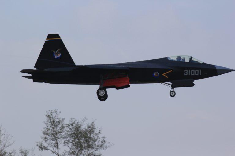 Το νέο stealth αεροσκάφος της Κίνας – Δείτε ΒΙΝΤΕΟ και τις πρώτες φωτογραφίες | Newsit.gr