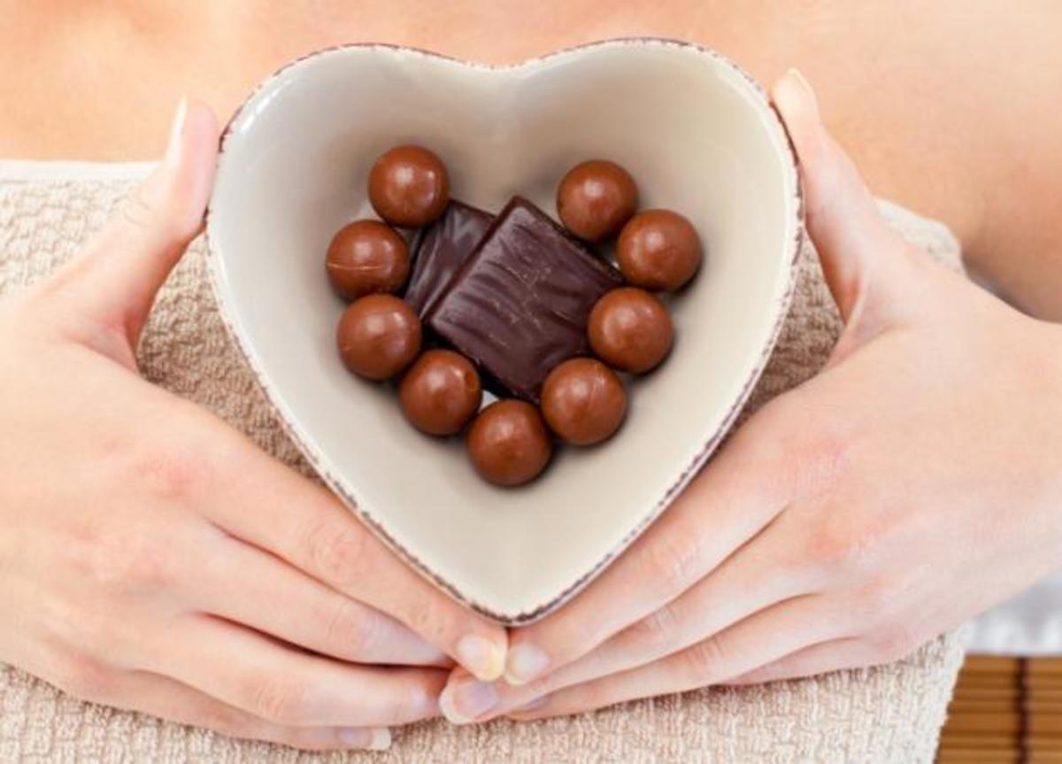 Σοκολατοθεραπεία! Η εθιστική συνήθεια που διώχνει την κυτταρίτιδα και το στρες | Newsit.gr