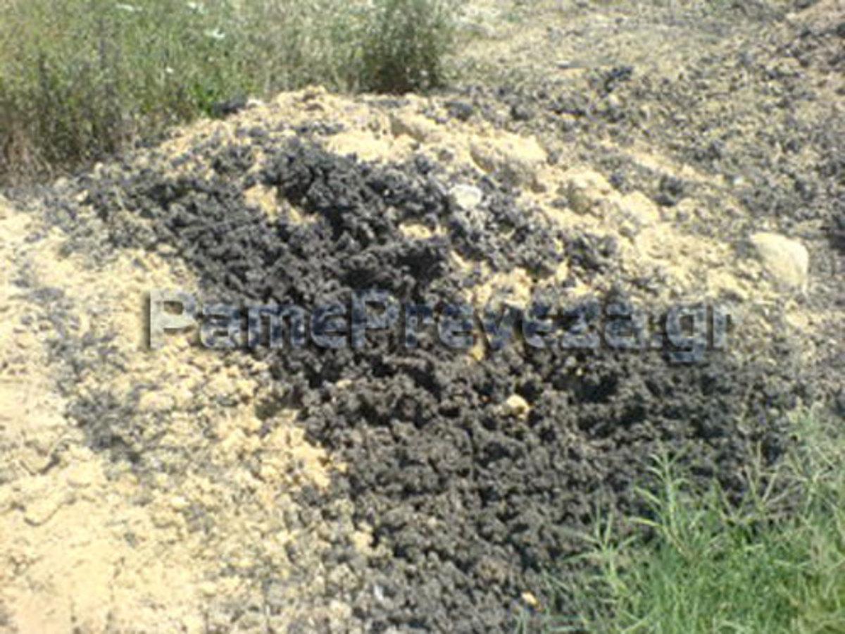 Πρέβεζα: Τόνοι λυματολάσπης σε χωράφι στο Καναλάκι | Newsit.gr