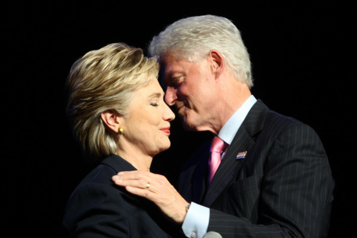 «Μία ημέρα με τον Μπιλ» για να… ξεχρεώσει η Χίλαρι | Newsit.gr