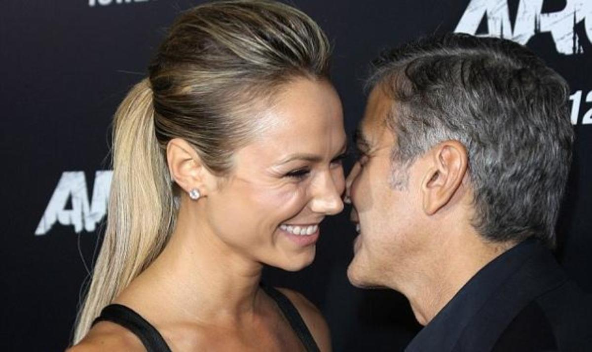 G. Clooney – S. Keibler: Mε τέτοιο φόρεμα πως να πάρει τα χέρια του από πάνω της; Φωτογραφίες   Newsit.gr