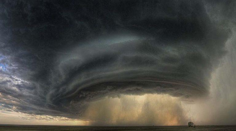 Στην καρδιά της καταιγίδας! Απίστευτες φωτογραφίες   Newsit.gr