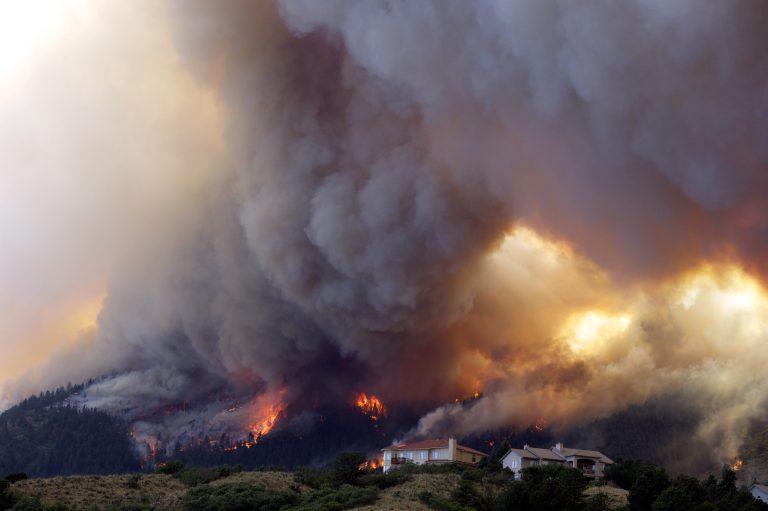 Επική καταστροφή στο Κολοράντο – 36.000 εγκαταλείπουν τα σπίτια τους | Newsit.gr