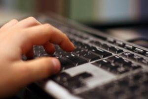 Αναβαθμίζεται το δίκτυο σταθερής τηλεφωνίας και internet στο Δήμο Σαρωνικού