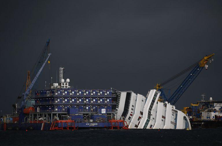 400 εκ.δολάρια για την ανέλκυση του Costa Concordia   Newsit.gr