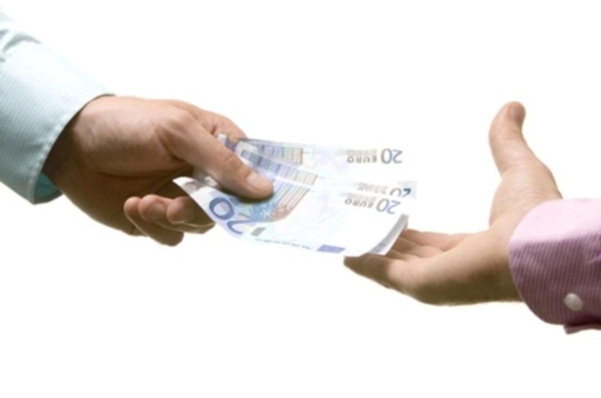 60 δισ. ευρώ το χρόνο στοιχίζει στην Ιταλία η διαφθορά   Newsit.gr
