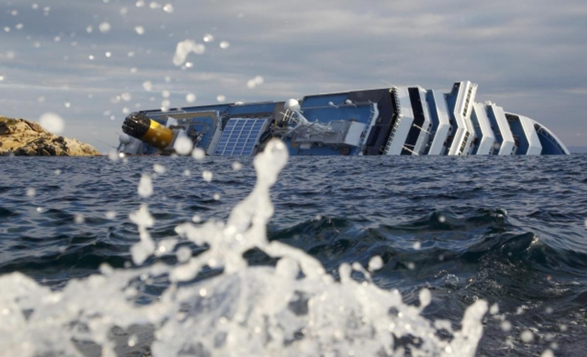 «Κατά λάθος βρέθηκα στη λέμβο» είπε ο καπετάνιος! – Νέο video από τις στιγμές πανικού στο Costa Concordia – «Σβήνουν» οι ελπίδες για επιζώντες | Newsit.gr