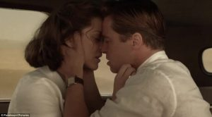 """Το """"καυτό"""" φιλί Μπραντ Πιτ – Μαριόν Κοτιγιάρ λίγο μετά το διαζύγιο [vid]"""
