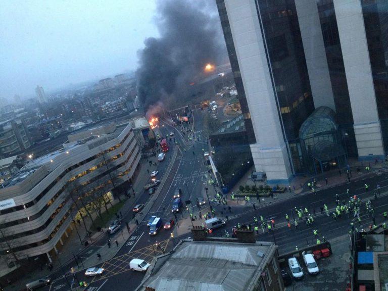 Συγκλονιστικό video δευτερόλεπτα μετά την τραγωδία του Λονδίνου με τους 2 νεκρούς | Newsit.gr