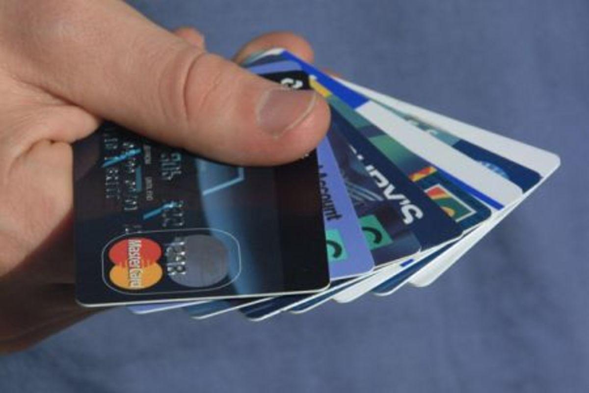 Έκαναν ζωή χαρισάμενη με πλαστές πιστωτικές κάρτες   Newsit.gr