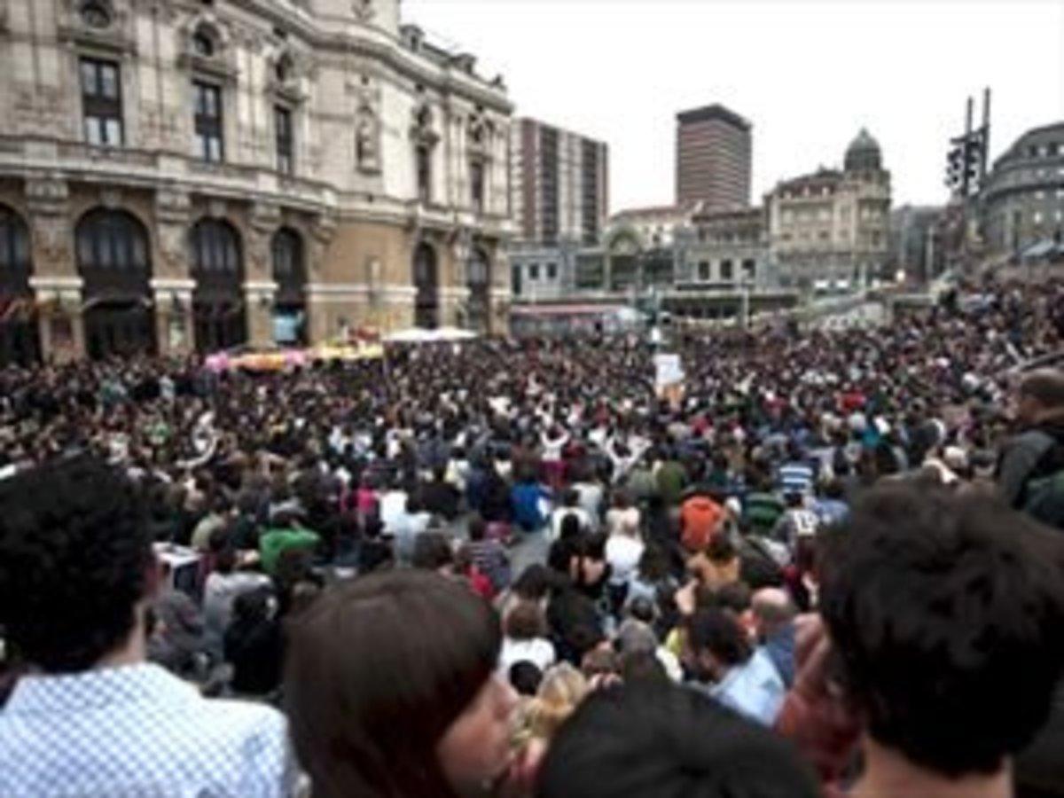 Κρήτη: Οι »αγανακτισμένοι» βγήκαν στους δρόμους και γέμισαν τις πλατείες! | Newsit.gr