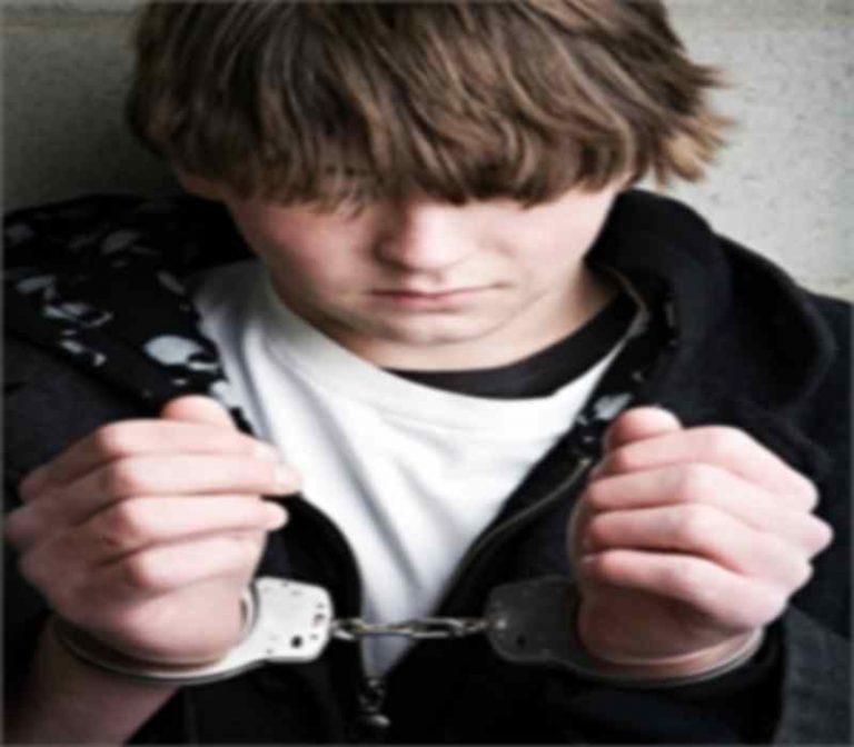 Σέρρες: Συνελήφθη νεαρός που είχε κάνει 49 διαρρήξεις   Newsit.gr