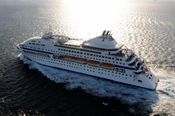 Υποστέλλει την ελληνική σημαία από τα κρουαζιερόπλοιά της η Louis Hellenic Cruises | Newsit.gr