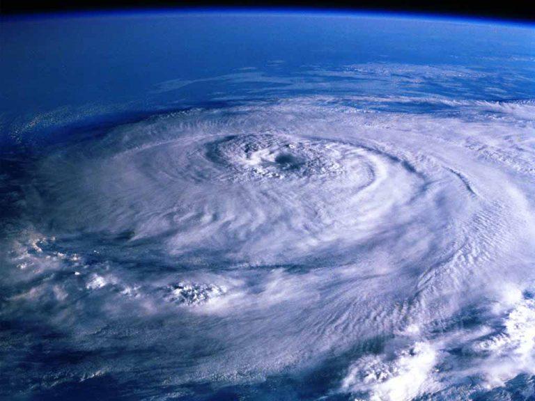 Πορτογαλία: Ο κυκλώνας Γκόρντον πλησιάζει τις Αζόρες | Newsit.gr