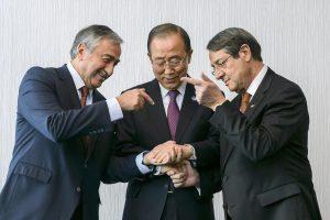 Κυπριακό: Ξαναρχίζουν οι διαπραγματεύσεις Αναστασιάδη – Ακιντζί