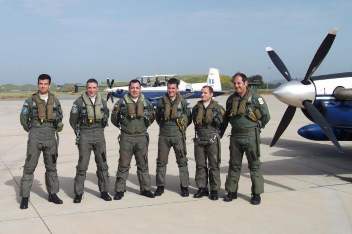 Ελληνικά «φτερά» στην Κύπρο – Φωτογραφίες από την προσγείωση ελληνικών αεροσκαφών στη Πάφο   Newsit.gr