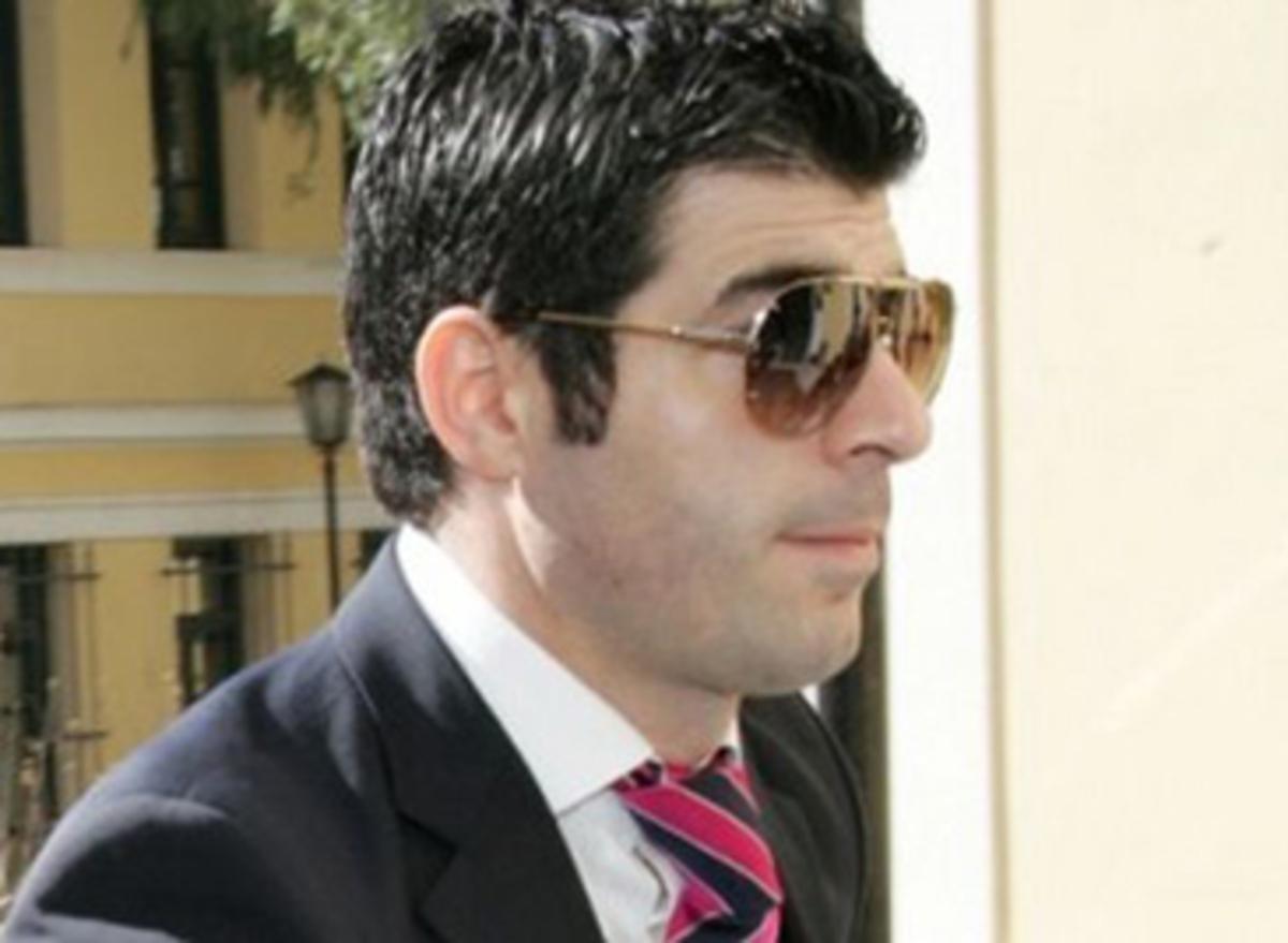 Bόλος: Έβαλαν βόμβα στο αυτοκίνητο του Γ. Δαλούκα | Newsit.gr