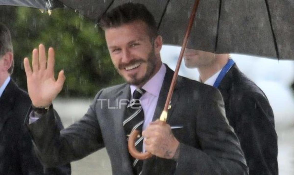TLIFE Φωτορεπορτάζ: Καρέ καρέ η εμφάνιση του Beckham στην Τελετή Παράδοσης της Φλόγας! | Newsit.gr