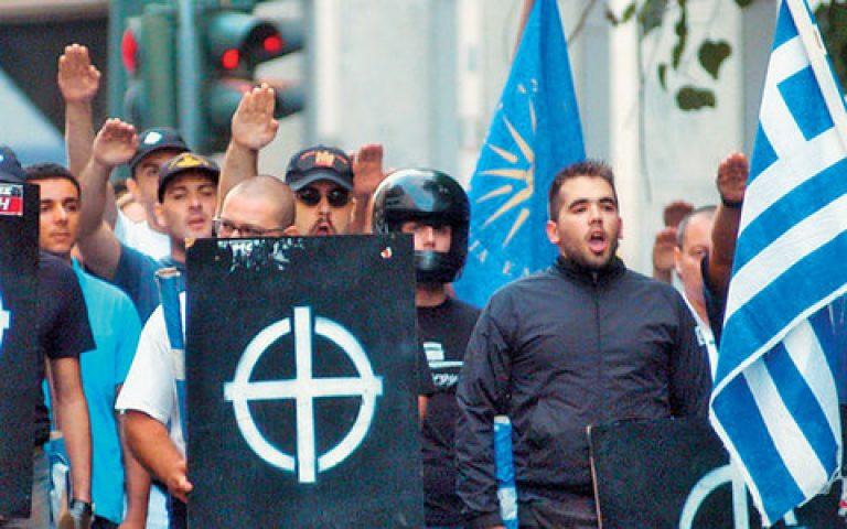 Αχαϊα: Ο φασιστικός χαιρετισμός »τίναξε στον αέρα» την παρέλαση! | Newsit.gr