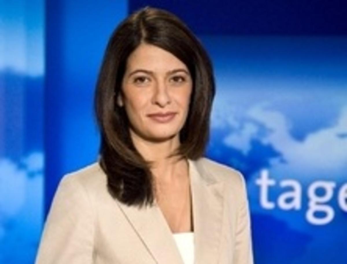 Η Κρητικοπούλα που θα λέει τις ειδήσεις στους Γερμανούς! | Newsit.gr