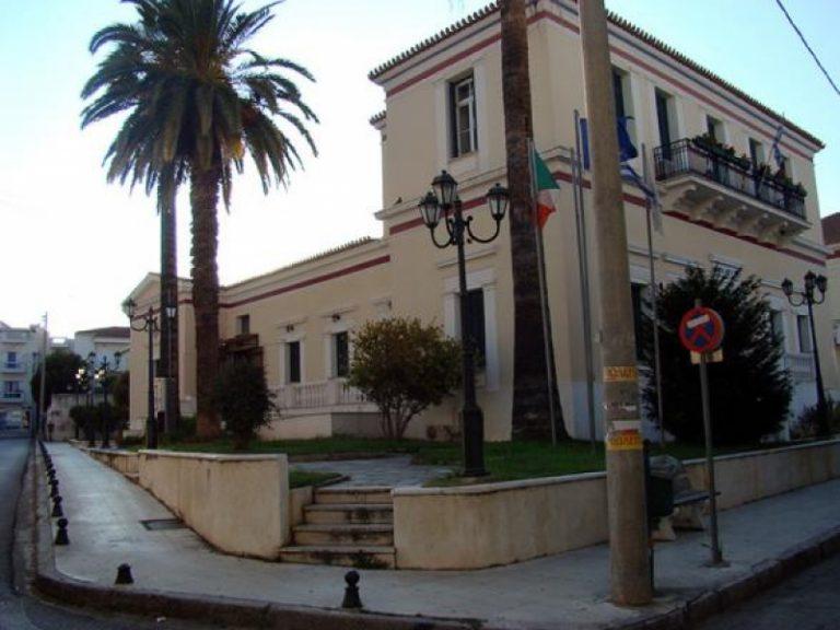 Αχαϊα:Γέλια μέχρι δακρύων στο δημαρχείο, για το πουλάκι του δημότη… | Newsit.gr