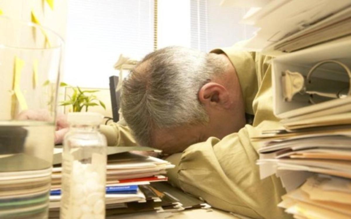 Η ξαφνική ασθένεια που χτυπά δημοσίους υπαλλήλους – Που οφείλεται η επιδημία στις αναρρωτικές άδειες | Newsit.gr