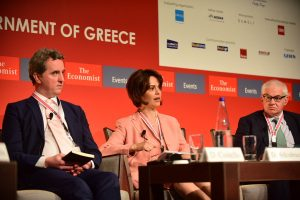 Η Ντέλια ξαναχτυπά! Το χρέος δεν είναι βιώσιμο – Χρειάζονται και άλλα μέτρα – Οι Έλληνες δεν έμαθαν…