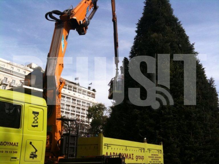 ΘΕΜΑ NEWSIT: 2 εκατ. ευρώ μας κόστισαν τα Χριστούγεννα της Αθήνας   Newsit.gr