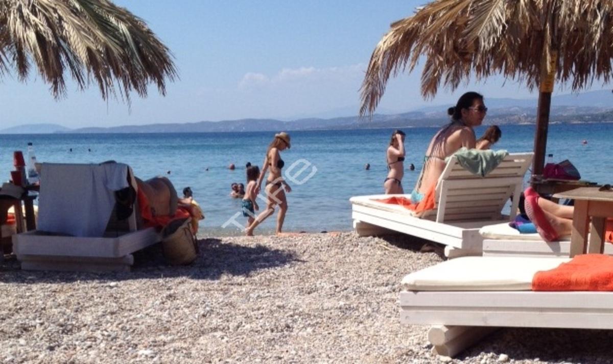 Δ. Βανδή: Καλοκαιρινή απόδραση στις Σπέτσες! | Newsit.gr