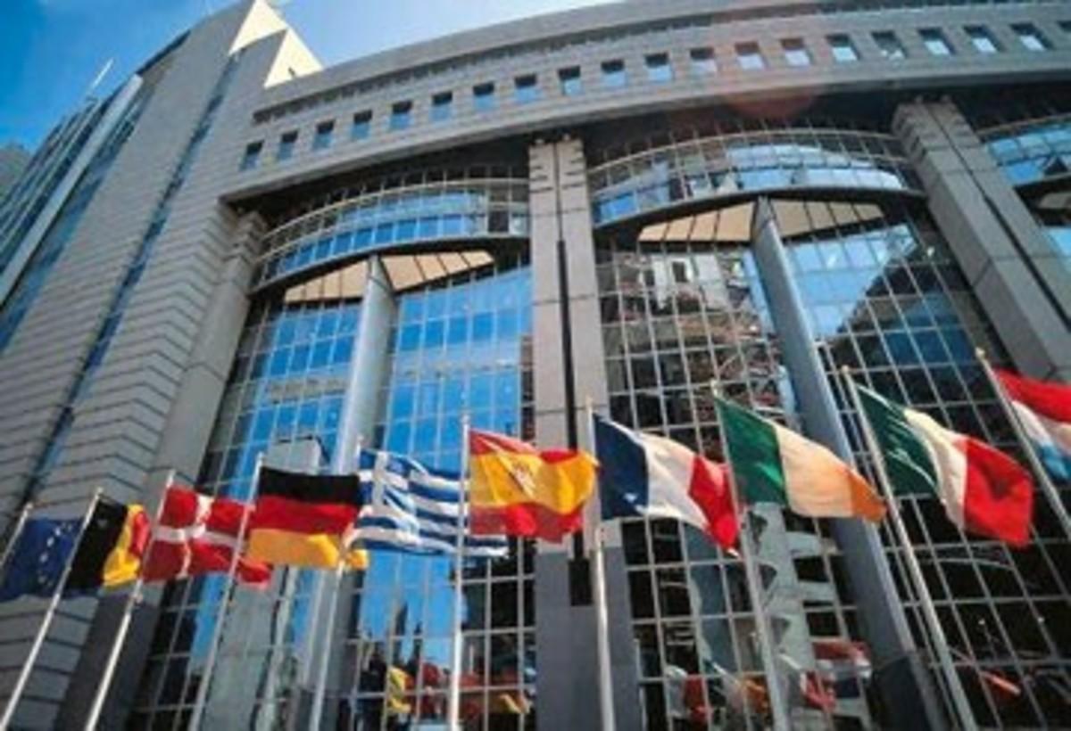 Κομισιόν: Δεν χρειάζεται διάσωση η Κύπρος | Newsit.gr