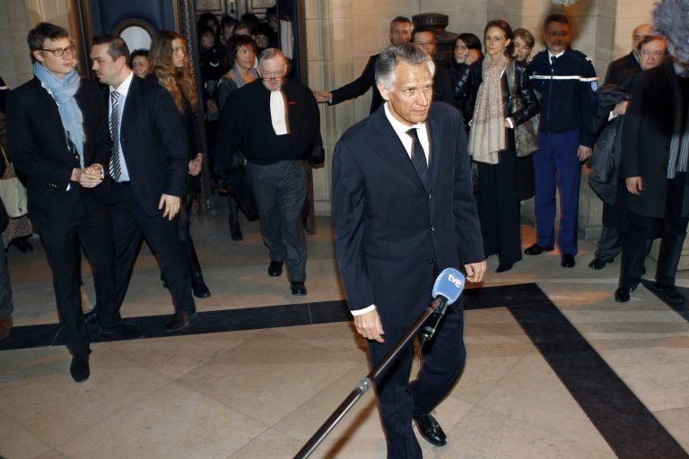 Βολές Ντε Βιλπέν εναντίον Σαρκοζί   Newsit.gr