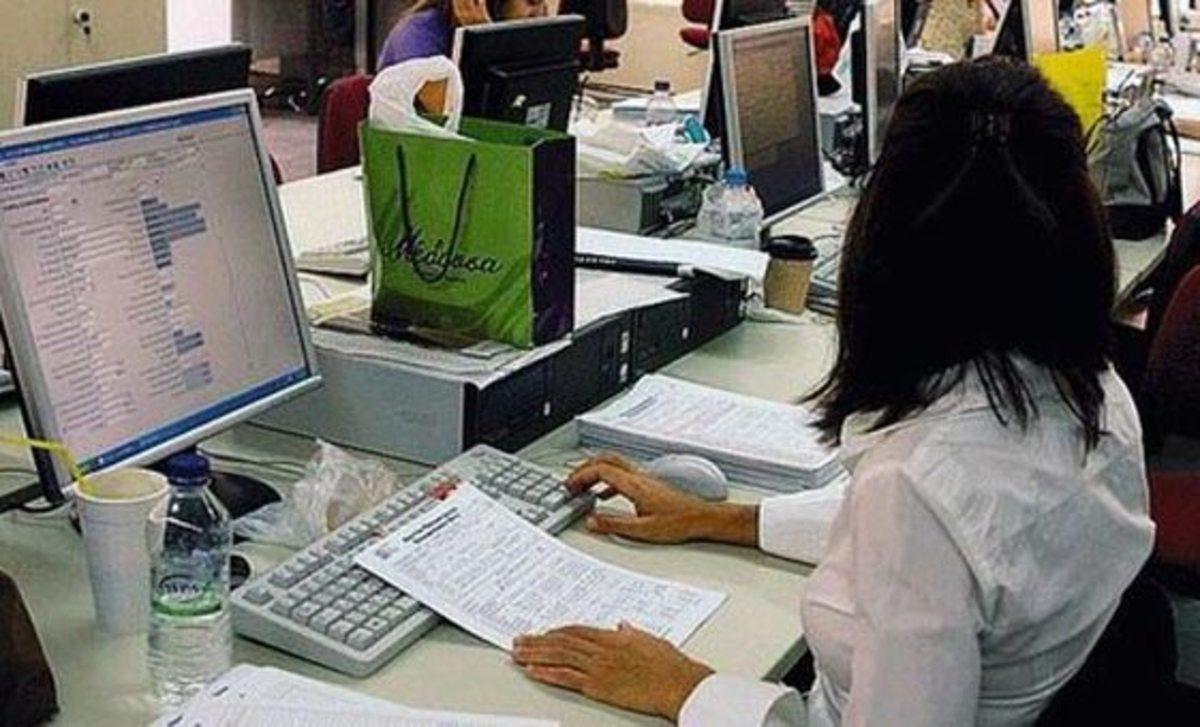 Απολύσεις στο Δημόσιο: Γιατί επιμένει τόσο η τρόικα; Ποιοί έχουν μετρήσει 7.200 επίορκους;   Newsit.gr