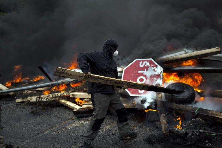 Βγήκαν μαζικά στους δρόμους οι Ισπανοί κατά της λιτότητας   Newsit.gr