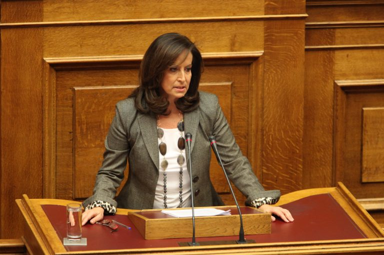 Διαμαντοπούλου: Συμπεριφορές επίορκων εκπαιδευτικών δεν μπορούν να μένουν ατιμώρητες | Newsit.gr