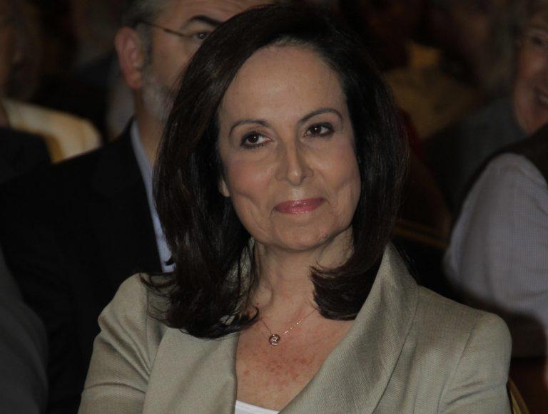Tρίκαλα: Φραστική επίθεση στην Άννα Διαμαντοπούλου -Video   Newsit.gr