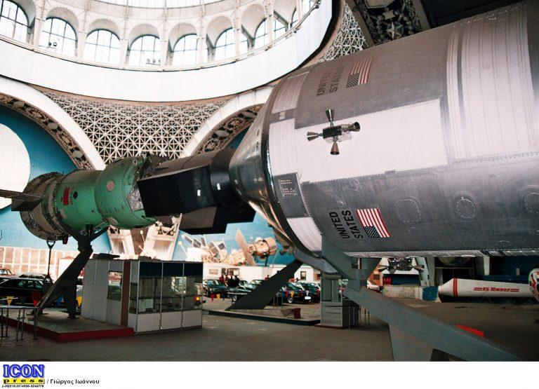 Το διάσημο Endeavour ξεκίνησε για το μουσείο | Newsit.gr