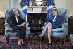 Τα πρώτα σύννεφα στη σχέση του Λονδίνου με τη Σκωτία