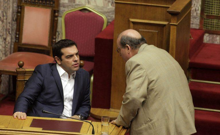 Οργή Τσίπρα για τις πενταροδεκάρες του Φίλη – Θα τους κάνει επίπληξη στο υπουργικό | Newsit.gr