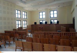 """""""Φρένο"""" στον διαγωνισμό για την πρόσληψη δικαστικών υπαλλήλων"""