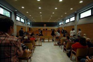 Πάτρα: Το πιο ιδιαίτερο διαζύγιο – Φωτογραφίες και φωνές μέσα στη δικαστική αίθουσα!
