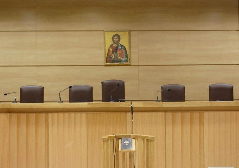 Ποινή φυλάκισης 17 μηνών στον διευθυντή του Τελωνείου Ορεστιάδας   Newsit.gr