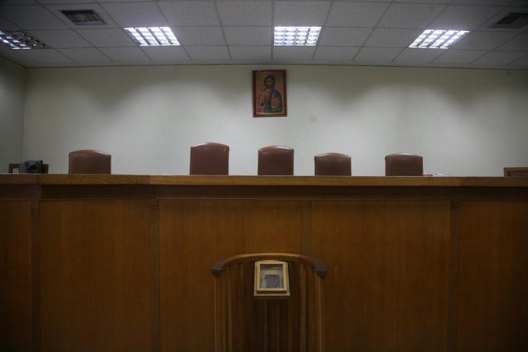 Χωρίς δικηγόρους την Πέμπτη | Newsit.gr