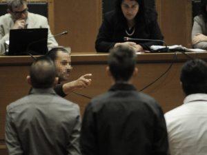 """Δίκη Χρυσής Αυγής: Αιγύπτιος αλιεργάτης """"έδειξε"""" τον Πυρηνάρχη Περάματος για την εις βάρος του επίθεση"""
