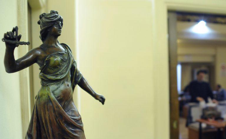 Δικηγόροι και μηχανικοί προσέφυγαν στο Ευρωπαϊκό Δικαστήριο για τις περικοπές | Newsit.gr