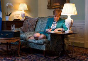 Ντόμινο λόγω Brexit: Η Σκωτία ζητάει νέο δημοψήφισμα για ανεξαρτησία [pics, vid]