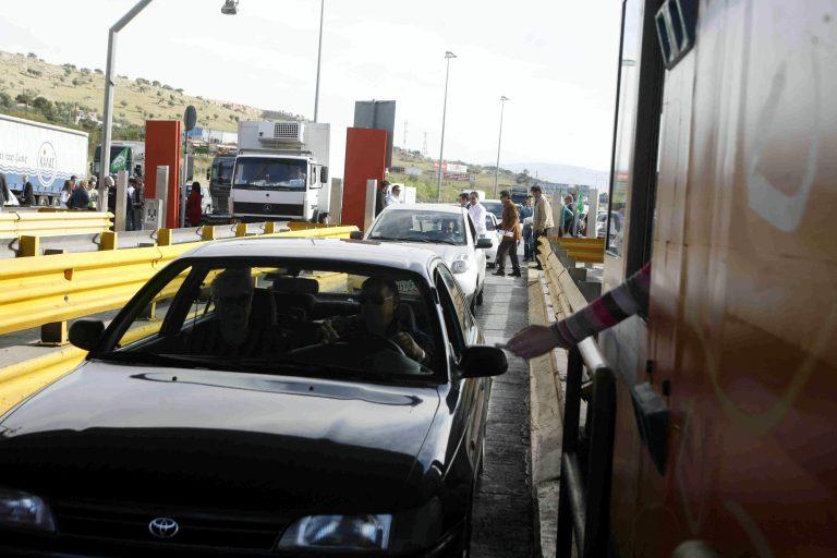 Πέρασαν τα διόδια Ελευσίνας χωρίς να… πληρώσουν!   Newsit.gr